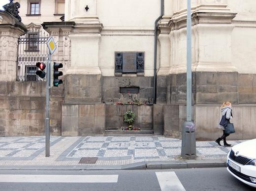 06プラハ教会1s.jpg