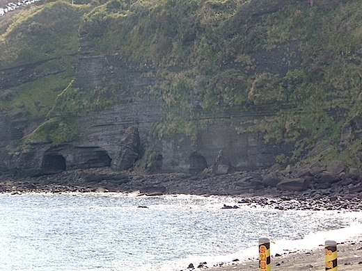洞窟2s.jpg